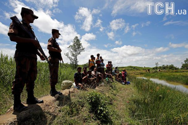Более 100 убитых, тысячи беженцев: на границе между Мьянмой и Бангладеш вспыхнуло масштабное насилие