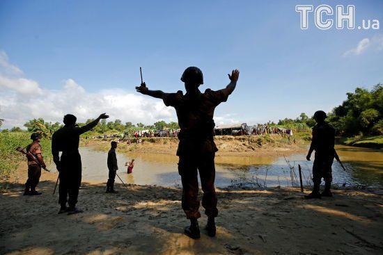 Більше 100 вбитих, тисячі біженців: на кордоні між М'янмою і Бангладеш спалахнуло масштабне насильство