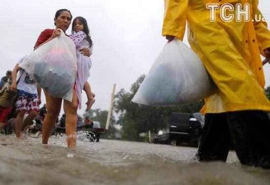 Порошенко направив Трампу співчуття у зв'язку зі смертоносним ураганом