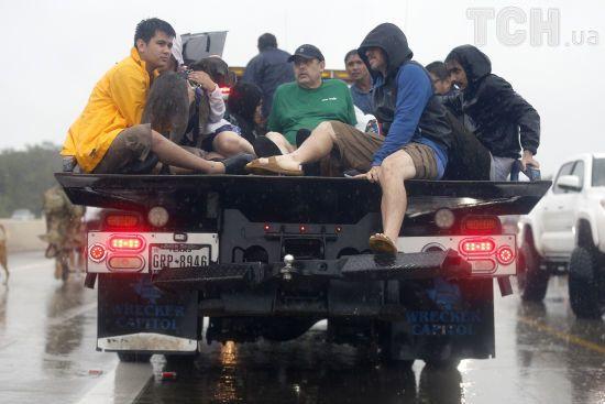 Ураган десятиліття: в Г'юстоні через мародерів ввели комендантську годину