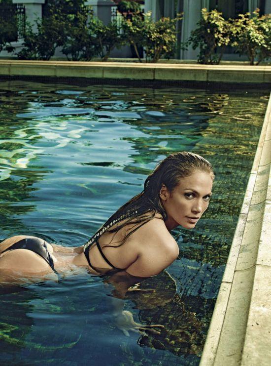 Сексапільна Дженніфер Лопес показала розкішну фігуру у купальниках