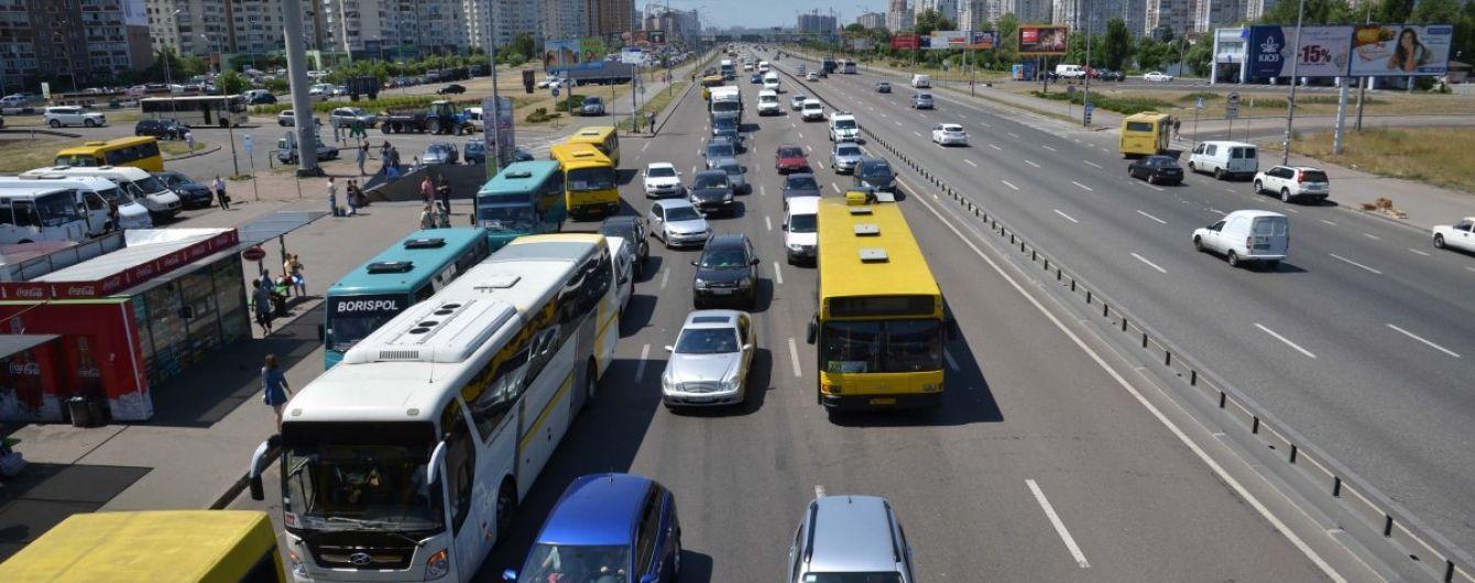 Київ зупинився у виснажливих заторах через ремонти доріг