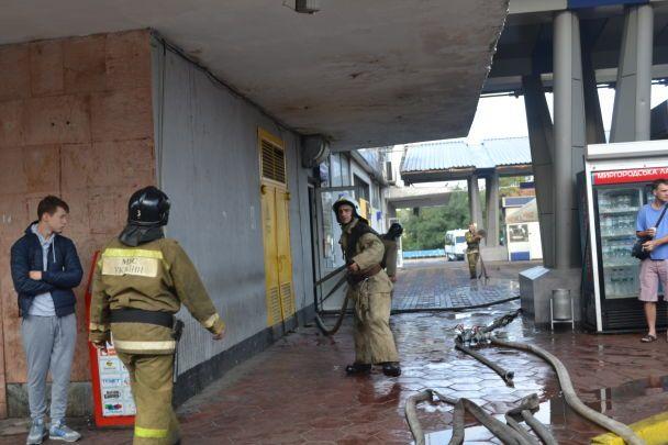 В Одесі горів центральний автовокзал: евакуювали понад півсотні людей