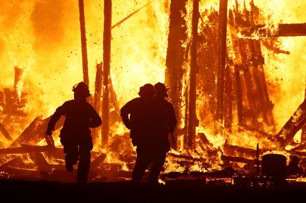 У США помер чоловік, який на очах у 70 тисяч людей забіг у полум'я на фестивалі Burning Man