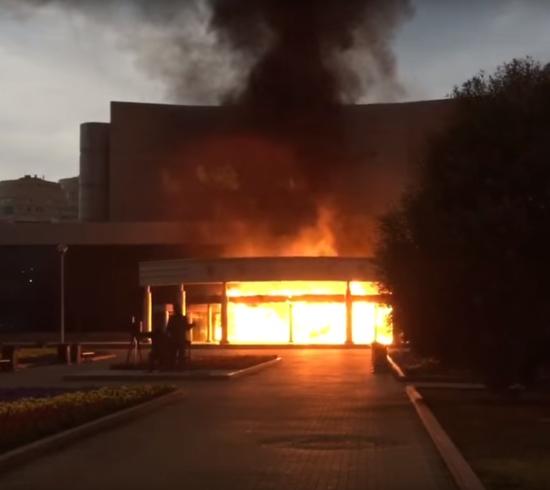 Слідом за торговим центром під Москвою загорівся ринок у Ростові