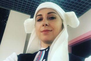 Тоня Матвієнко показала себе та доньку у традиційних українських вбраннях
