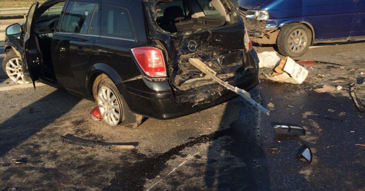 Фото з місця масштабної аварії @ vk.com/dtp_avarii_voronej