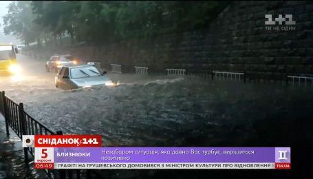 На Івано-Франківщині пройшлися буревії та потужні зливи