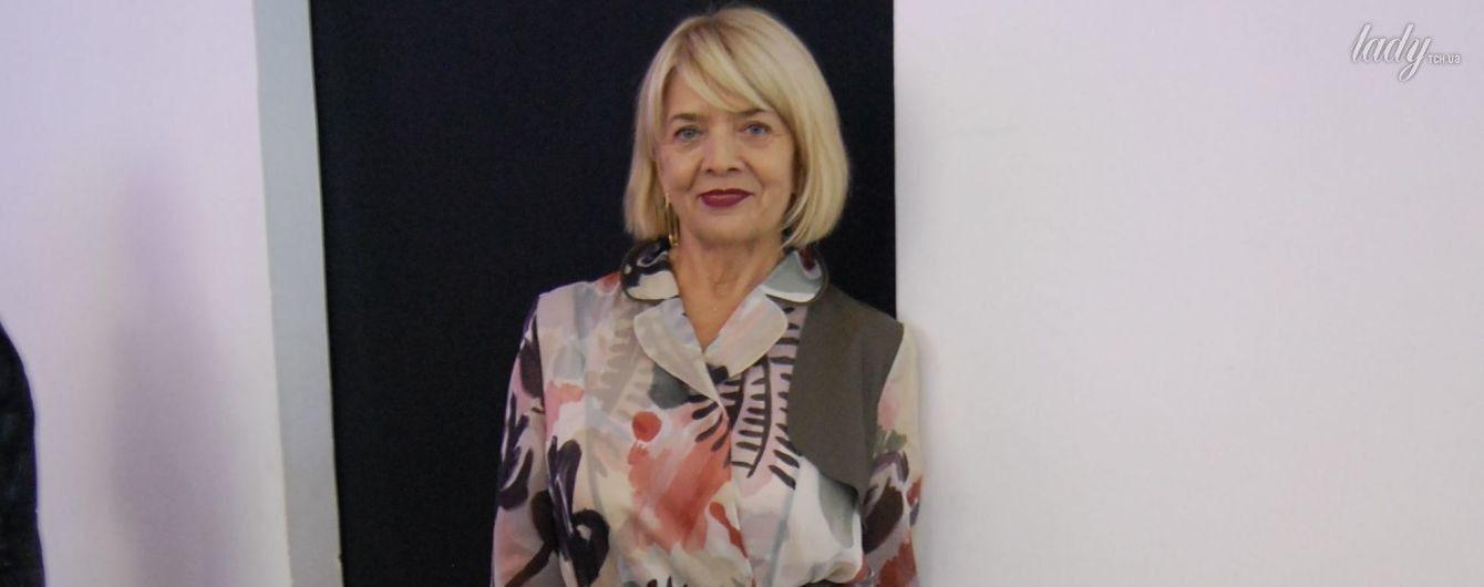 Выглядит прекрасно: 65-летняя мама Веры Брежневой появилась на модном показе в наряде от украинского дизайнера