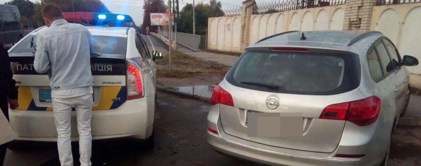 У Львові батьки заявили про викрадення авто, яке нишком забрала нетвереза донька