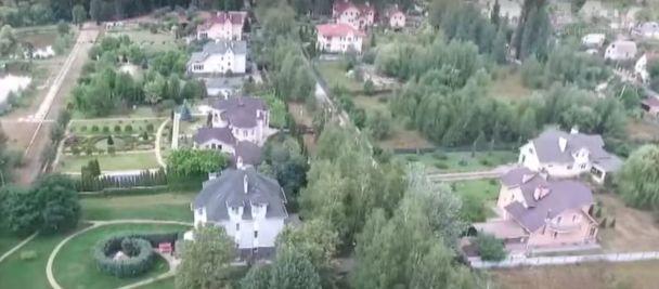 Замість лабораторій – розкішні маєтки: журналісти знайшли елітне котеджне містечко у власності столичного ВНЗ