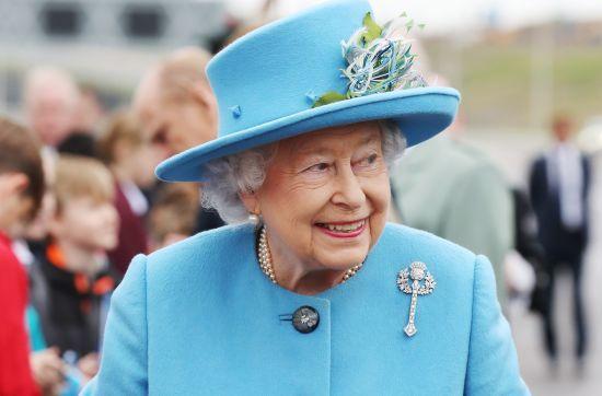 Фонд королеви Британії інвестував близько 13 млн доларів в офшори - Paradise Papers