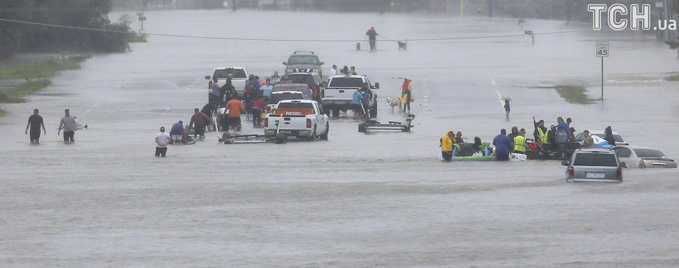 """Атака стихії: мінімум 60 осіб стали жертвами урагану """"Гарві"""" в США"""