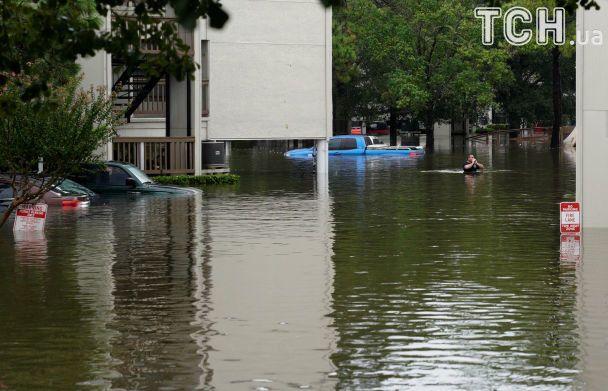Стихія лютує: у США зростає кількість загиблих через нищівний ураган Гарві