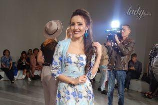 Добрыднева, Illaria, Lilu и другие в красивых платьях пришли на показ Анастасии Ивановой