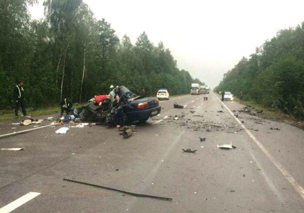 Смертельное ДТП в Ровенской области: легковушка столкнулась лоб в лоб с фурой