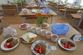 На Ровенщине в школьной столовой отравились 16 учеников-первоклассников