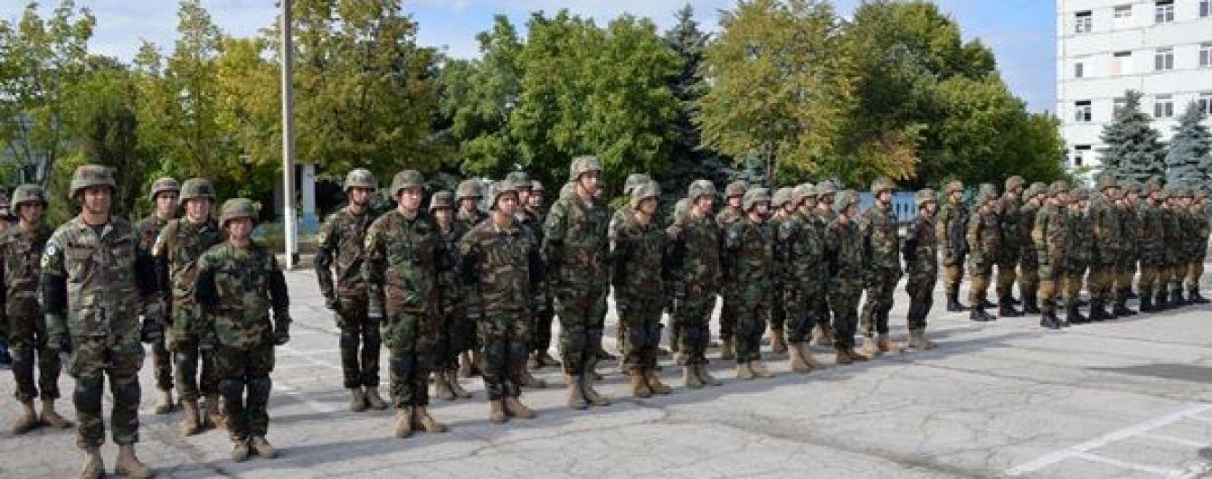 """""""Неслухняні"""" молдовські військові поїхали до України та масове отруєння учнів. П'ять новин, які ви могли проспати"""