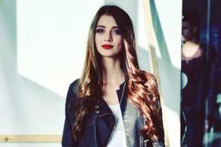 """Цнотливі селфі та єдине фото у бікіні. Що постить у Instagram """"Міс Україна-2017"""" Поліна Ткач"""