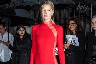 Самый модный цвет сезона: как звезды носят красную одежду