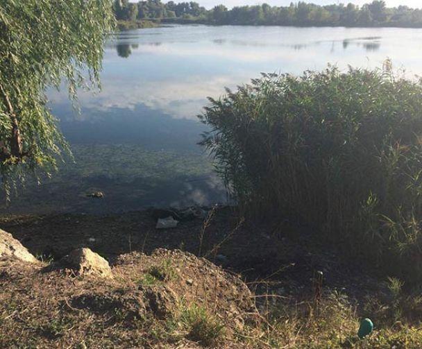 Три мішки із кінцівками. На Херсонщині невідомі розчленували чоловіка та викинули в озеро
