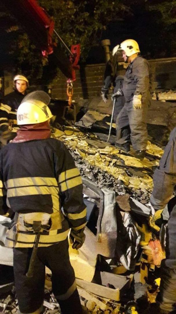 У ДСНС повідомили подробиці нічного вибуху на столичному Печерську