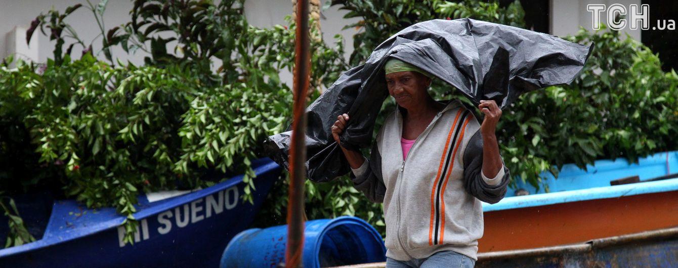 """Удар стихии: 700 тысяч человек эвакуировали из Кубы из-за урагана """"Ирма"""""""