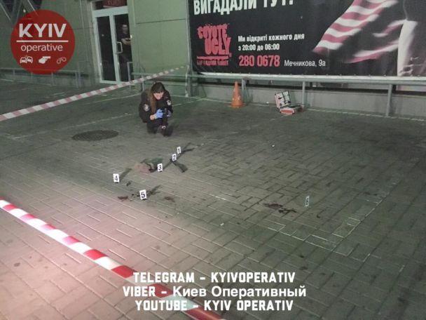 В Киеве ночью произошла драка с поножовщиной между бывшим бойцом АТО и сторонником террористов