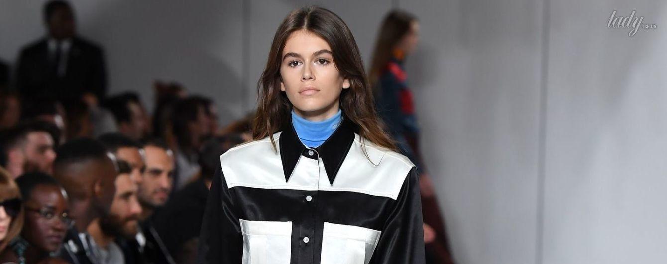 Дебют на подиуме: дочь Синди Кроуфорд приняла участие в шоу Calvin Klein