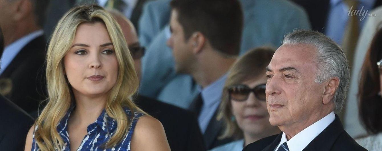 Милая и скромная: 34-летняя жена президента Бразилии на торжественном мероприятии