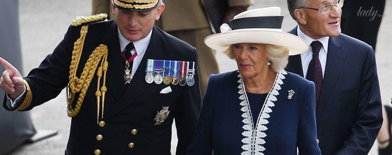 В пальто с вышивкой и лаковых туфлях: стильная герцогиня Корнуольская на официальном мероприятии