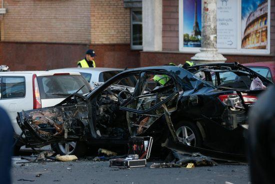 Лікарі зробили неймовірне: постраждала у вибуху авто на Бесарабці поступово одужує
