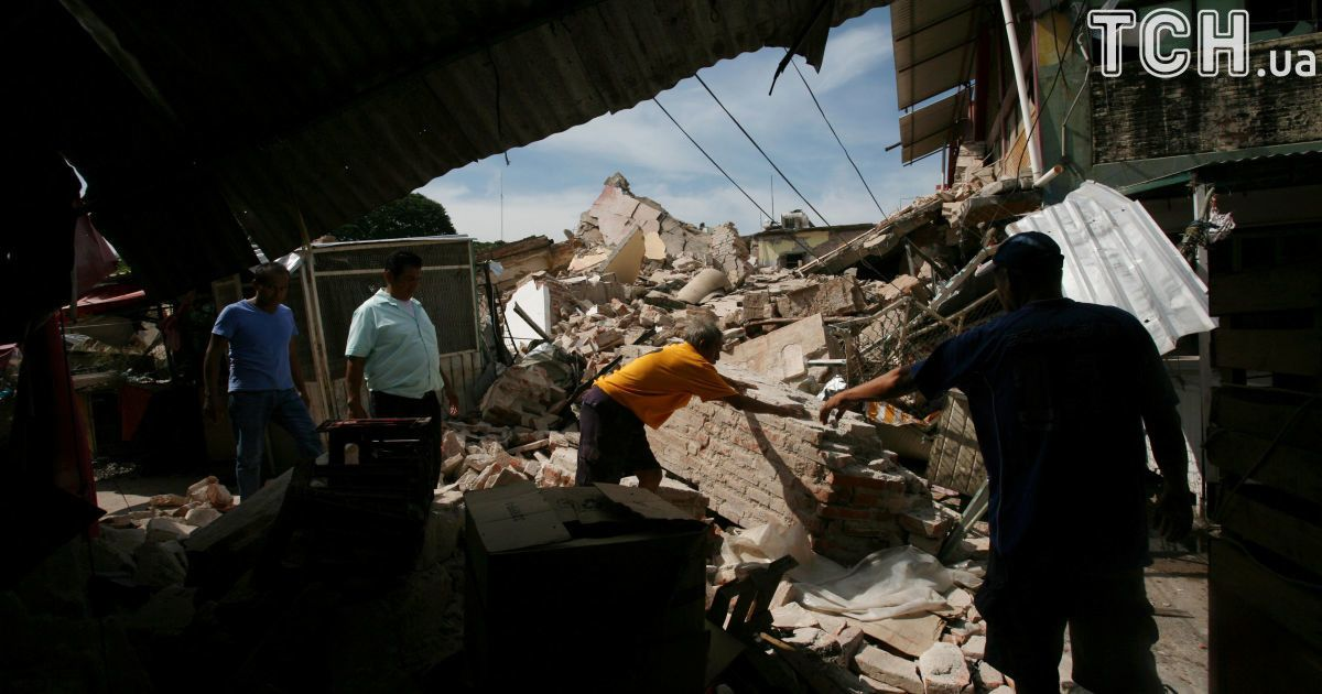Разрушительное землетрясение в Мексике: число жертв растет