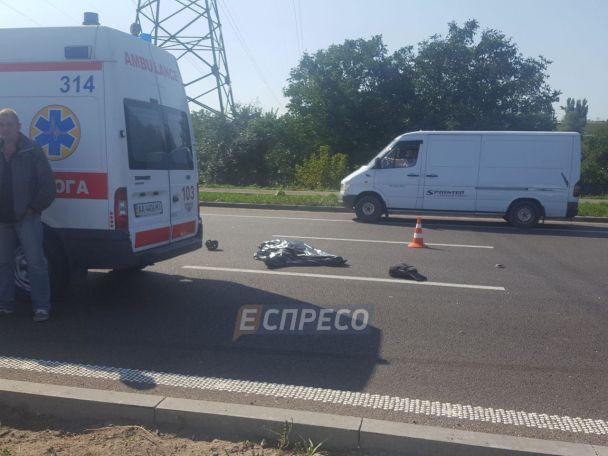 У Києві маршрутка збила насмерть чоловіка