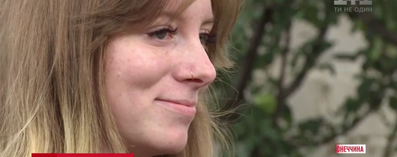 Жіноча мужність: молода дівчина-кухар повернулася до Авдіївки, де втратила ногу