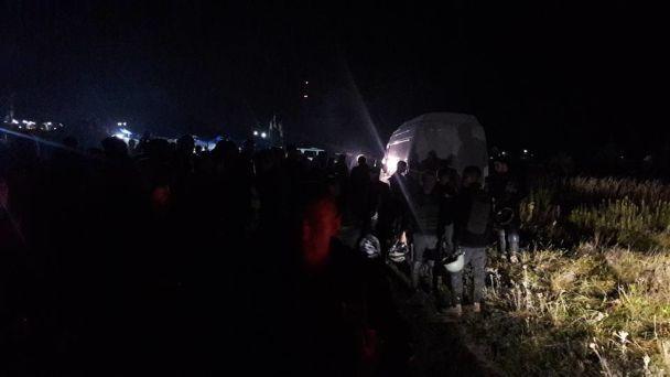 """В ожидании """"пришествия"""" Саакашвили в Краковец съехались сотни активистов"""