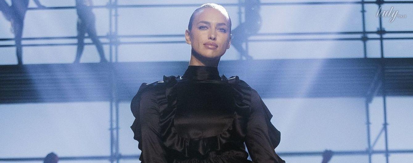 Ирина Шейк эффектно вернулась на подиум Недели моды в Нью-Йорке