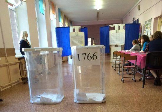 У Москві на виборах кандидат в депутати покусав членів ДВК