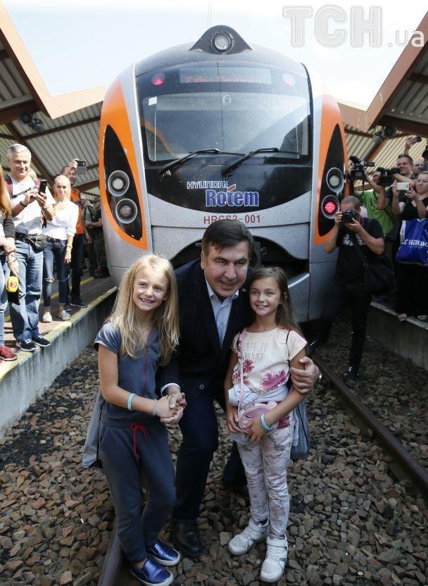 """""""Интерсити"""" с Саакашвили до сих пор не отправился из Польши"""