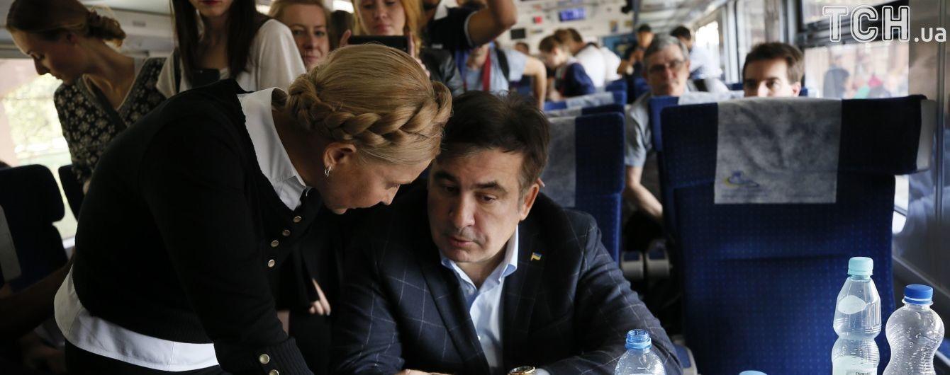 """Саакашвілі їде до пункту пропуску """"Шегині"""" замість """"Краковця"""" - ЗМІ"""