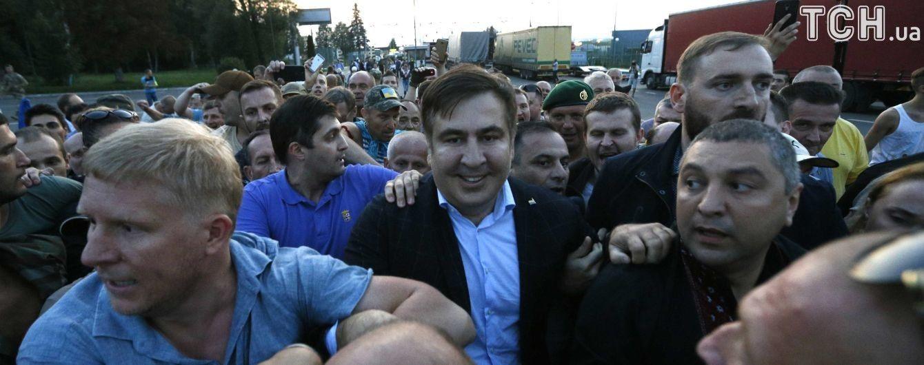 Дальнейших планов не имею, жду жену и сына - Саакашвили