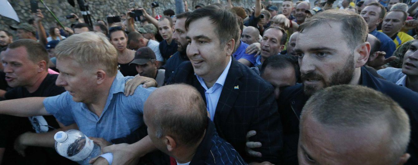 В МВД объяснили, почему позволяют Саакашвили свободно разгуливать по Украине