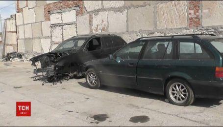 Автоцвинтар крадених іномарок знайшли поліцейські у Миколаєві