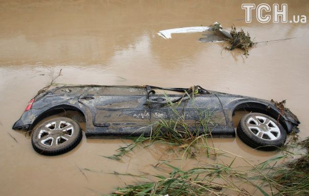 Италию накрыло внезапное наводнение, которое унесло человеческие жизни
