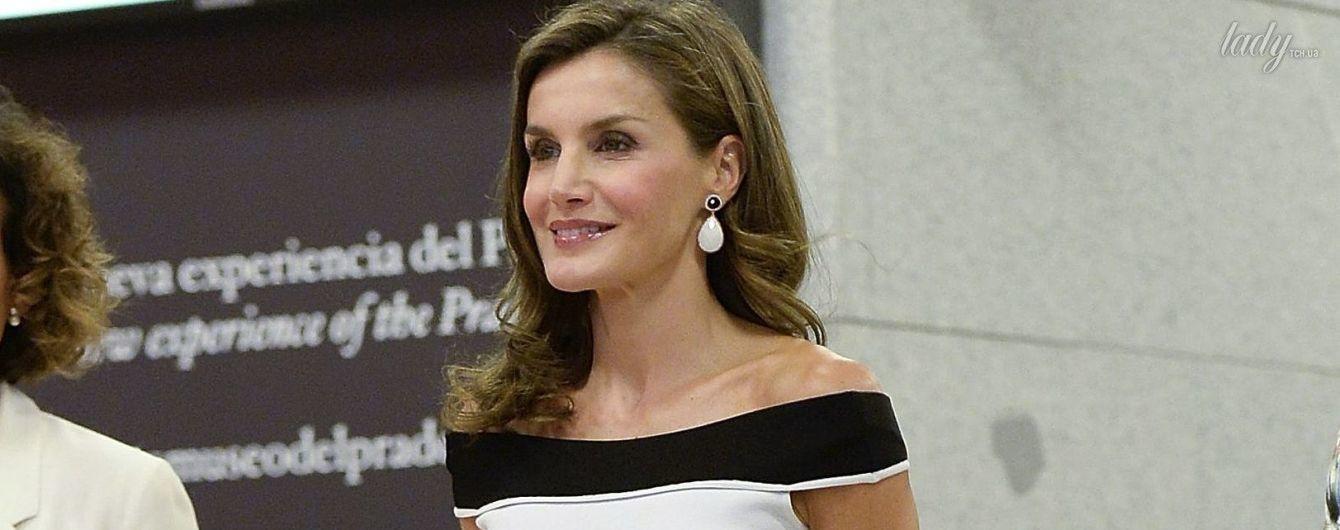 В плиссированном платье с открытыми плечами: новый образ королевы Летиции