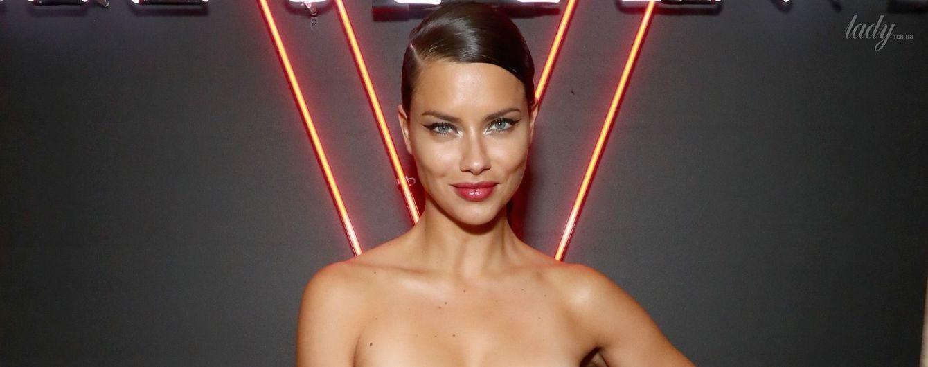 В мини-платье с бахромой: эффектная Адриана Лима на вечеринке косметической марки