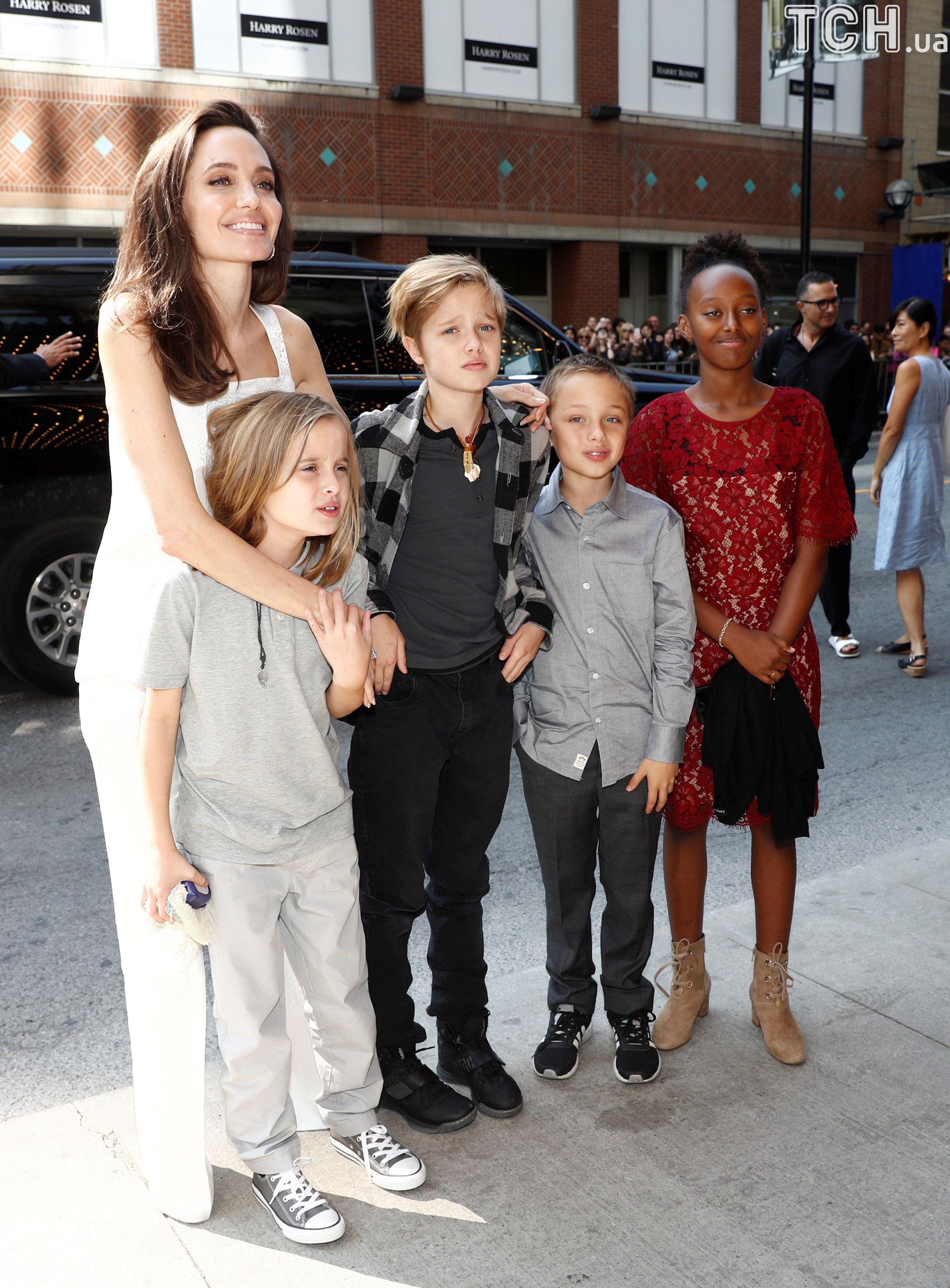Джолі з дітьми в Торонто_3