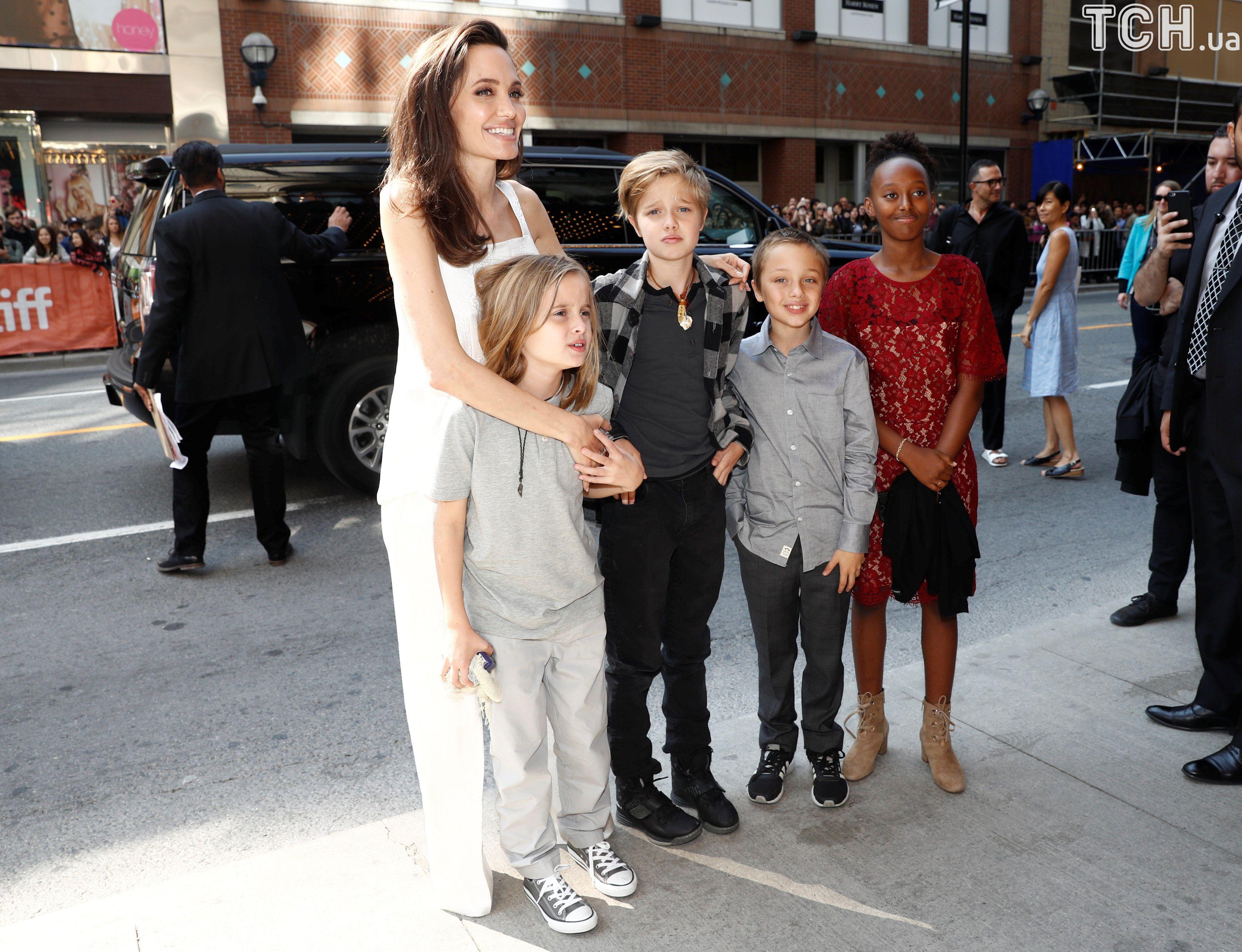 Джолі з дітьми в Торонто_2