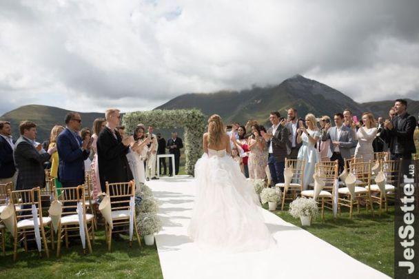 MrAndMrsSkichko: У Мережі з'явилися нові романтичні фото з весілля Скічка та Юрушевої