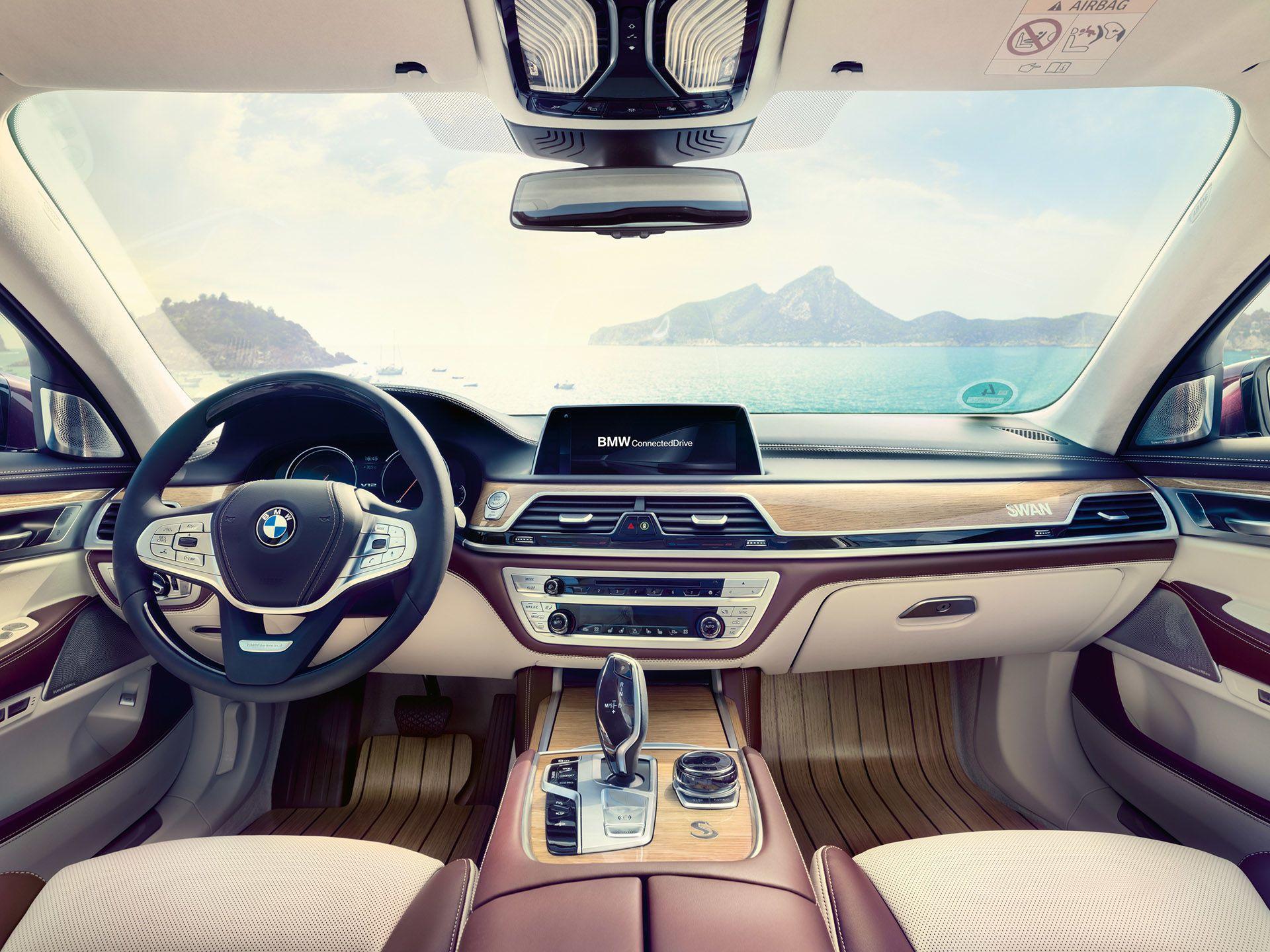 BMW 7-Series Swan